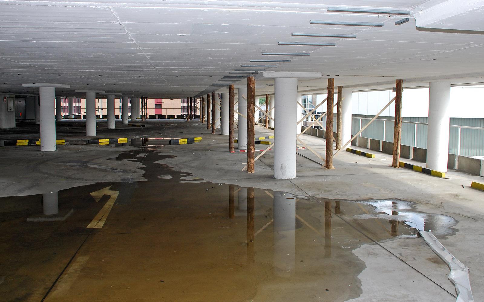 Abbruch Parkhaus am Frankfurter Flughafen 2008